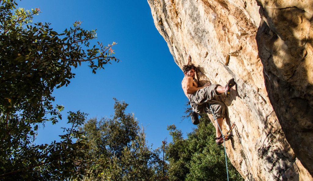 lezec na skale flo