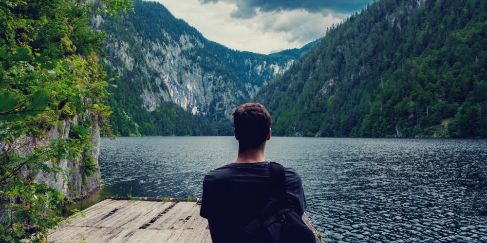 Toužíte zažít jógovo-meditační retreat a cestovat po světě? Psycholog M. Krajča vysvětluje, jak silnou transformační zkušeností to pro vás může být