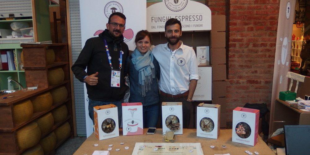 Příběh o tom, jak mladí podnikatelé mění kávový odpad v nutričně bohatou potravinu